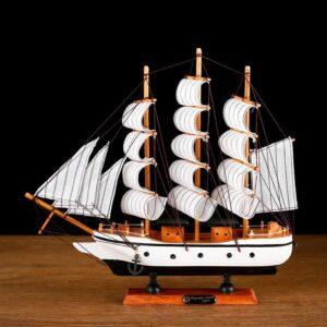 Корабль «Трёхмачтовый», борта белые 52119