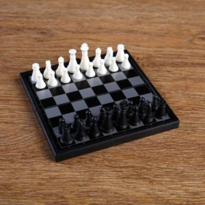 "Игра настольная магнитная ""Шахматы"", пластик, чёрно-белые 54873"