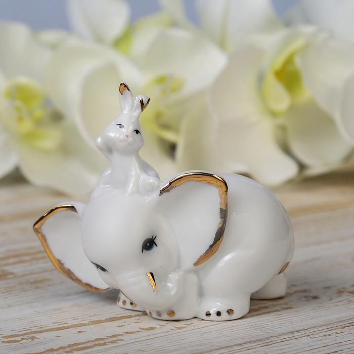Белый слонёнок и зайчик 55984