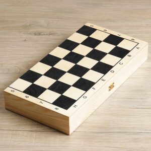 Шахматы гроссмейстерские (доска дерево 40х40 см, фигуры пластик, король h=10.5 см) 57162