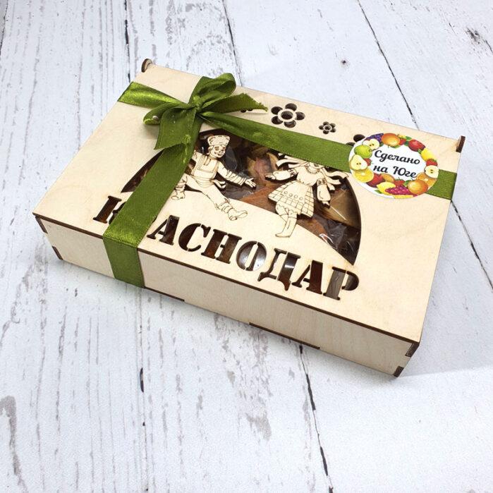 Сухофрукты с Кубани в подарочной коробке ср. 55432