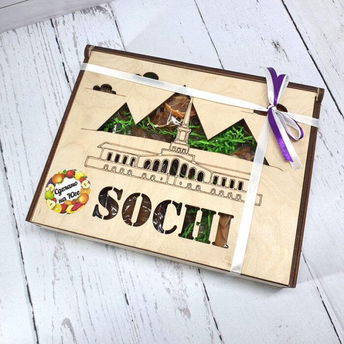 Сухофрукты с Кубани в подарочной коробке бол. (Сочи) 55702