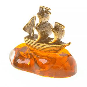 Корабль (янтарь) 39750