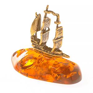 Корабль (янтарь) 39752
