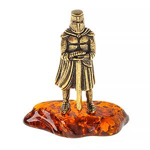 Рыцарь с мечом без рогов (янтарь) 40051