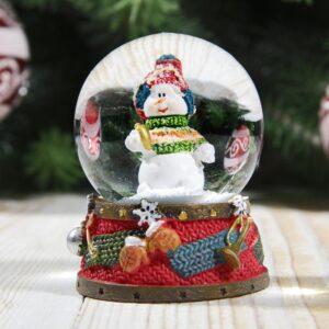 """Снежный шар """"Снеговичок в ярком полосатом свитере"""" 51570"""