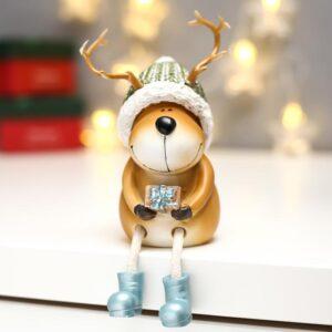 Олешка с вязаной шапке с подарком 53972