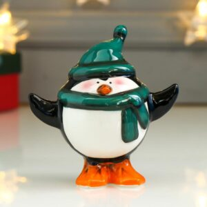 Пингвин-пузан в зелёном колпаке и шарфике 53458