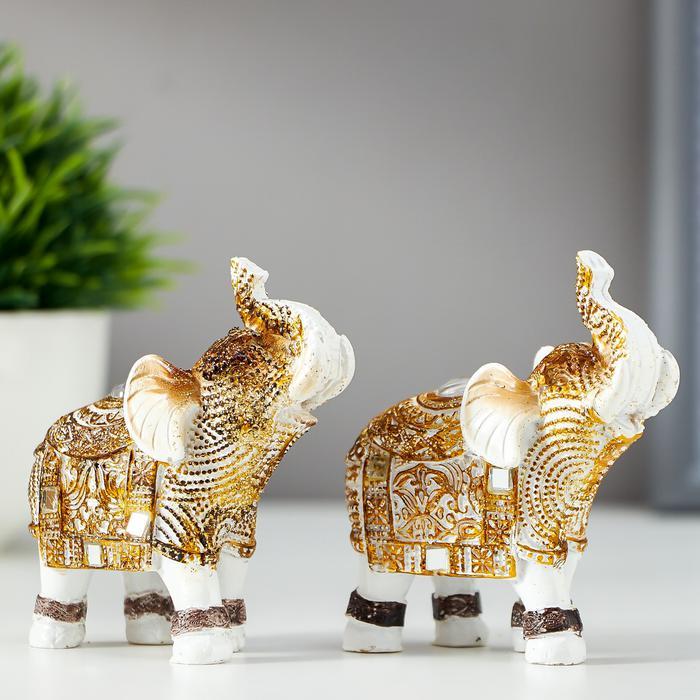 Белый слон с попоной из арабского ковра 56050