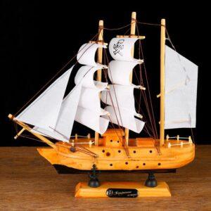 Корабль «Трёхмачтовый», борта светлое дерево, паруса белые пиратские 52409