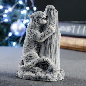 """Сувенир """"Амурский тигр у дерева"""" 11 см 57200"""