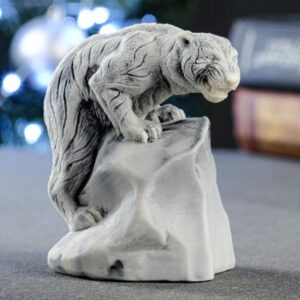 "Сувенир ""Тигр, взабравшийся на скалу"" 8,3х5 см 57210"