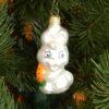 Игрушка на ёлку Зайчик с морковкй (стекло) 51092